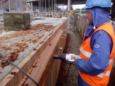 nagelhout hardhouten betonomkleding